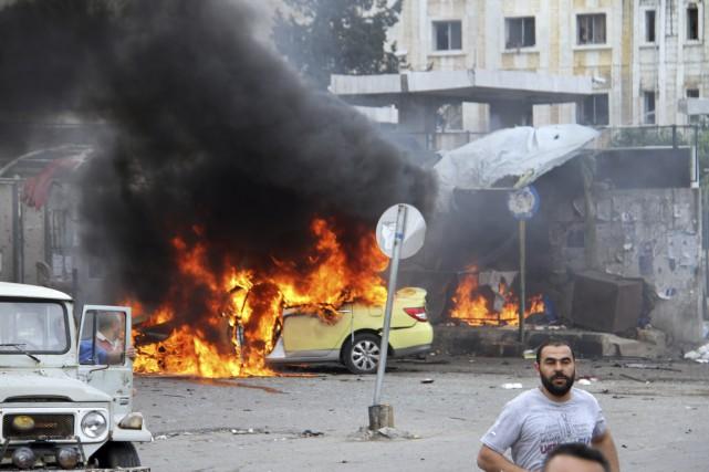 L'État islamique a ciblé, lundi, des villes généralement... (AP)