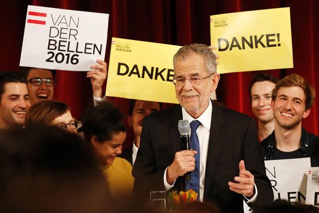 Le vote par correspondance dépouillé lundi, traditionnellement défavorable... (Archives AFP, Dieter Nagl)