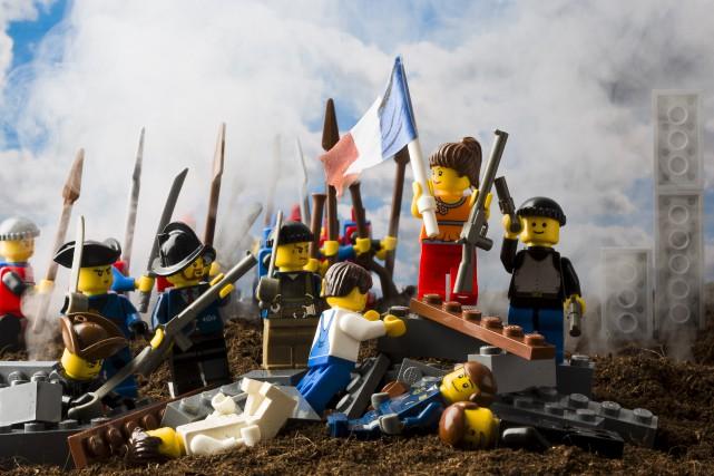 Les produits multicolores de Lego sont de plus en plus violents dans un... (123rf, Peter Decock)