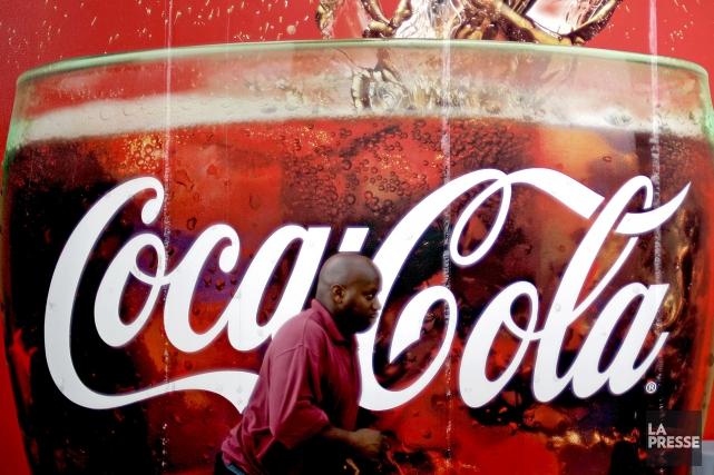 Le géant américain des boissons non-alcoolisées Coca-Cola a suspendu une grande... (Photo d'archives)