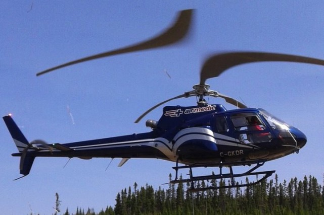 L'hélicoptère d'Airmedic a évacué les passagers de l'appareil... (Photo courtoisie)