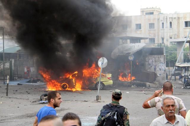 ÀTartous, une cinquantaine de personnes ont péri dans... (PHOTO REUTERS)