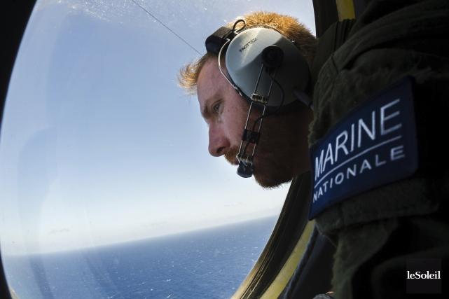 L'enregistreur de conversations de poste de pilotage du vol d'EgyptAir qui a... (Photothèque Le Soleil, AFP, Marine nationale Française)