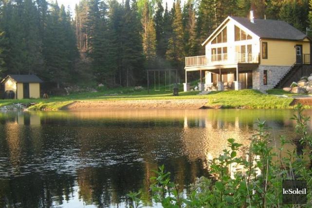 Le lac où s'est produit l'accident.... (Photothèque Le Soleil, image tirée du site Web chaletsauquebec.com)