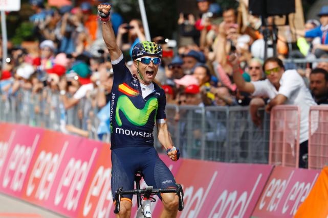 L'Espagnol Alejandro Valverde a remporté la 16e étape... (Photo Vincenzo Pinto, AFP)
