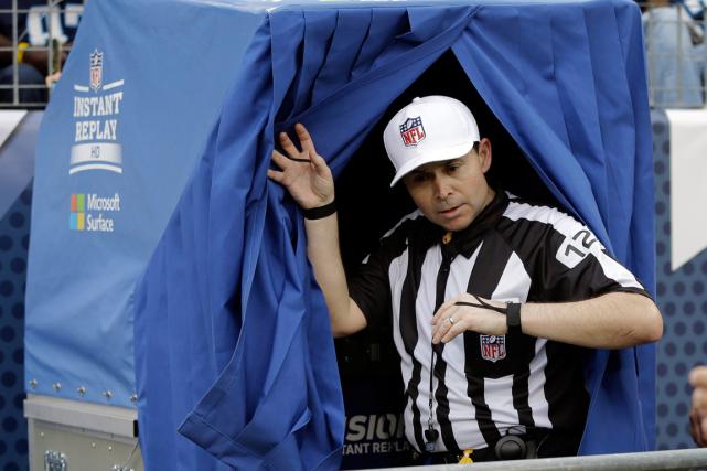 La NFL a choisi de rendre plus de jeux admissibles à la reprise vidéo. (Photo James Kenney, archives AP)