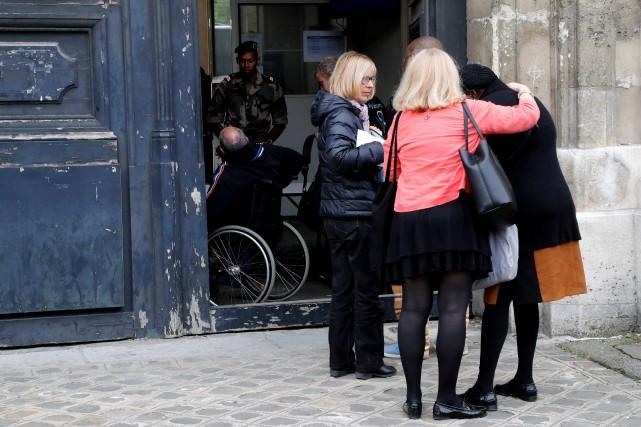 Beaucoup attendaient des informations sur le seul membre... (PHOTO FRANCOIS GUILLOT, AFP)