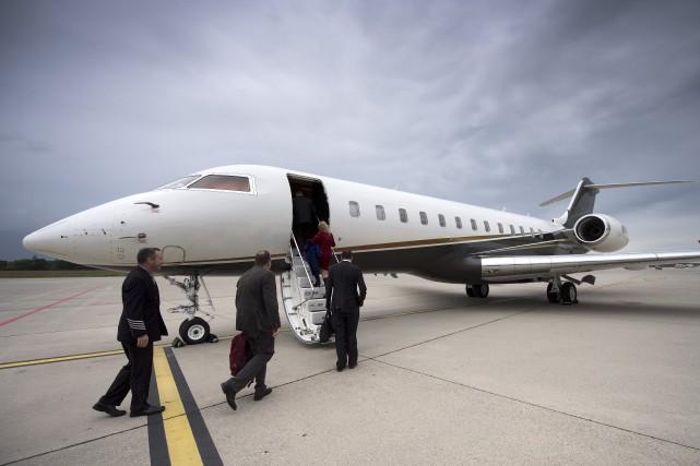 Bombardier a construit 73 avions d'affaires Globalen 2015.... (AP, Martial Trezzini)