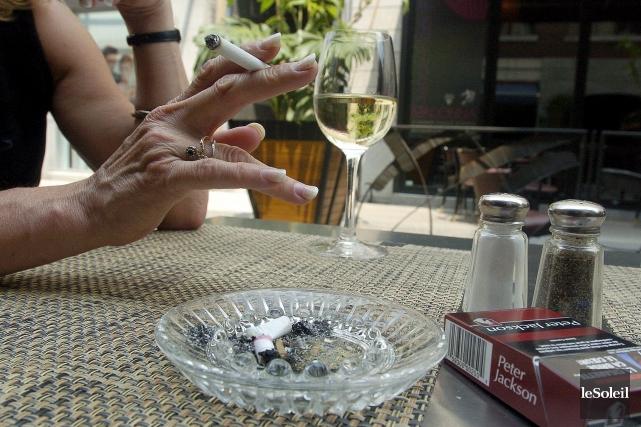 C'est bien correct, tous ces règlements antitabac, dit... (Erick Labbé, Archives Le Soleil)