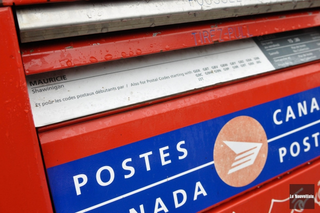 Dans son communiqué publié lundi après-midi, Postes Canada... (Archives Le Nouvelliste, Émilie O'Connor)