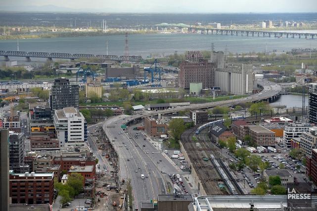 L'autoroute Bonaventure sera complètement fermée à la circulation... (PHOTO BERNARD BRAULT, ARCHIVES LA PRESSE)