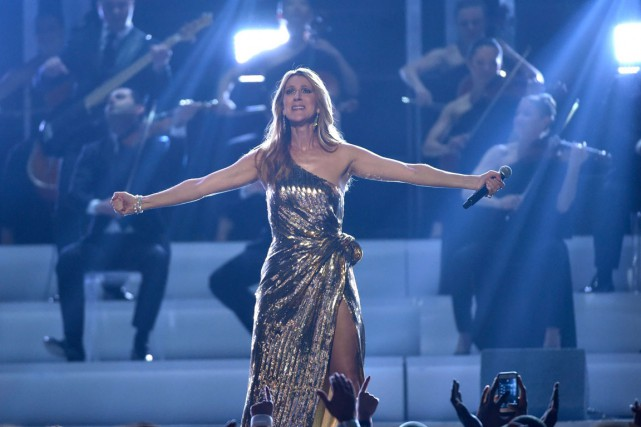 Céline Dion lors de sa prestation au Billboard... (PHOTO CHRIS PIZZELLO/INVISION/AP)