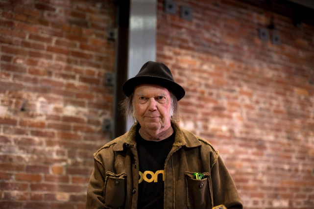 Le chanteur Neil Young... (Photo Darryl Dyck, Archives La Presse Canadienne)