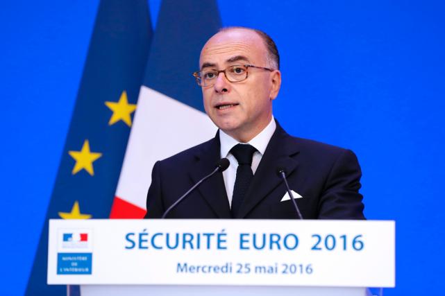 Le ministre français de l'Intérieur, Bernard Cazeneuve.... (Photo François Guillot, AFP)