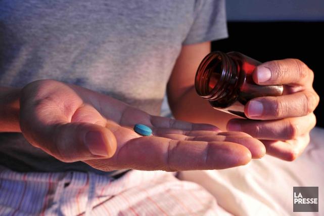 Chaque année, on signale au Québec 174suicides par médicaments, dont 15... (PHOTO ARCHIVES LA PRESSE)