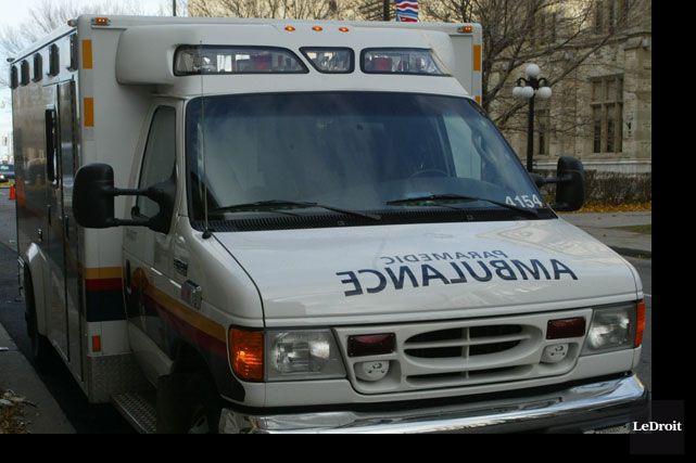 Les policiers et paramédics d'Ottawa ont été appelés... (ARCHIVES, LeDroit)
