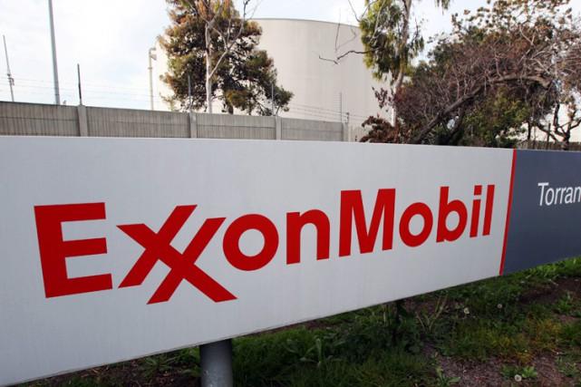 ExxonMobil et Chevron restent les deux plus gros... (PHOTO AP)
