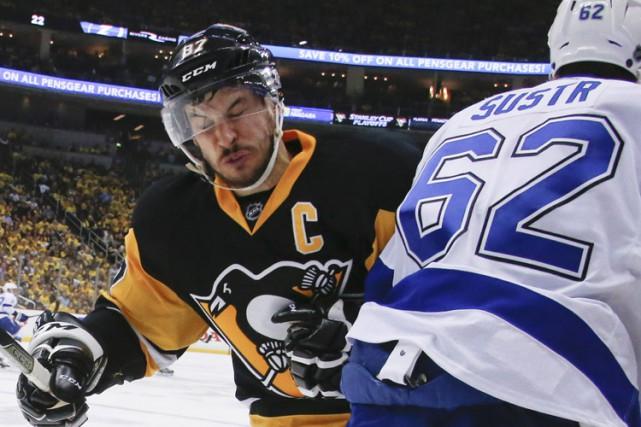 À l'approche du match ultime de jeudi opposant les Penguins au Lightning,... (PHOTO AP)
