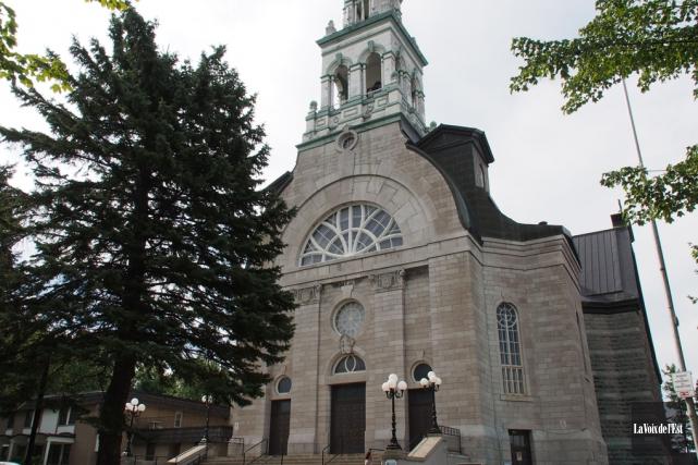 L'église Notre-Dame, à Granby... (Alain Dion, archives La Voix de l'Est)