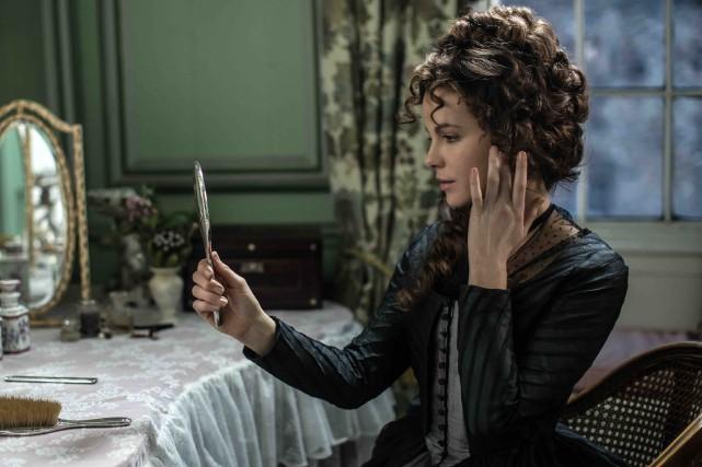 Dans Amour et amitié, Kate Beckinsale joue Susan,... (Fournie par Métropole Films)