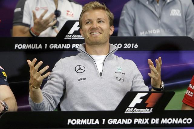 Nico Rosberg était visiblement heureux d'être à la... (AP, Claude Paris)