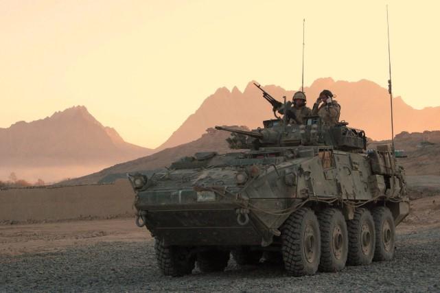 Un véhicule blindé léger... (Bill Graveland, Archives PC)