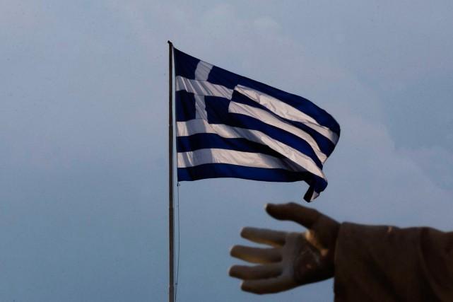 La dette publique grecque s'élève à quelque 320milliards... (PhotoDaniel Ochoa de Olza, Archives Associated Press)