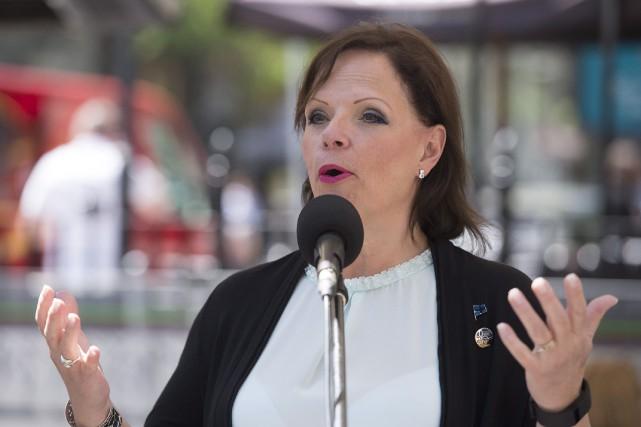 La ministre déléguée à la Santé publique, Lucie... (PHOTO JACQUES BOISSINOT, ARCHIVES PC)