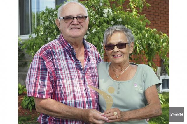 Jean-Yves Phaneuf, accompagné de son épouse Jeannine, et... (Alain Dion, La Voix de l'Est)