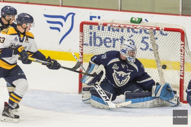 Après une saison de hockey plutôt décevante, la direction du Phoenix se doit de... (Archives, La Tribune)