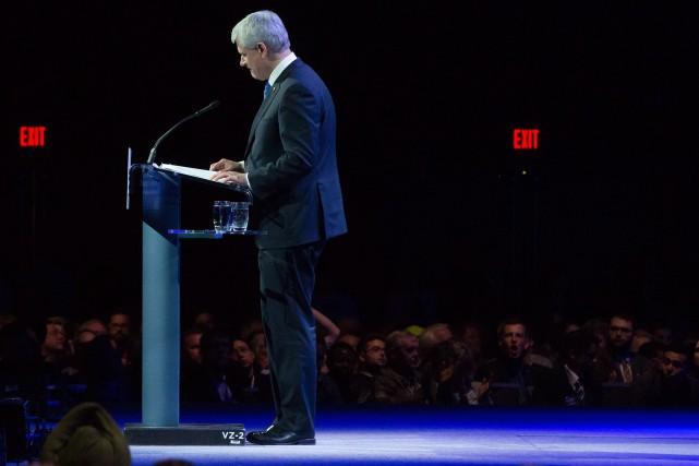 L'ancien premier ministre Stephen Harper, qui s'était fait... (La Presse Canadienne, Darryl Dyck)