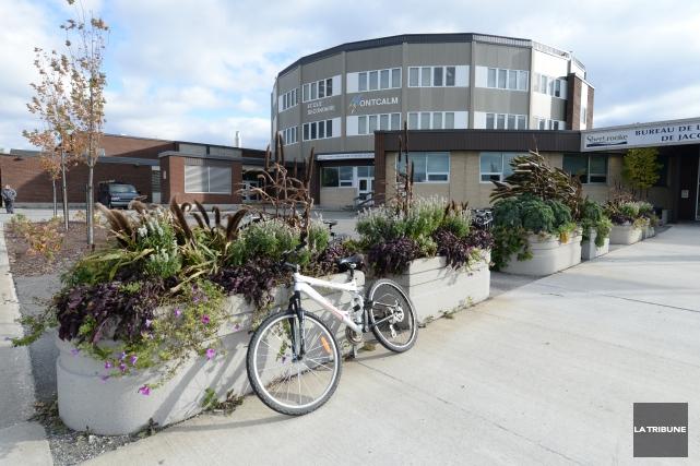 Un adolescent de l'école secondaire Montcalm de Sherbrooke a vécu une grande... (Archives La Tribune, Maxime Picard)