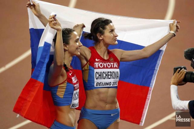 Les cas de dopage se multiplient dans les... (Archives AP, Mark Schiefelbein)