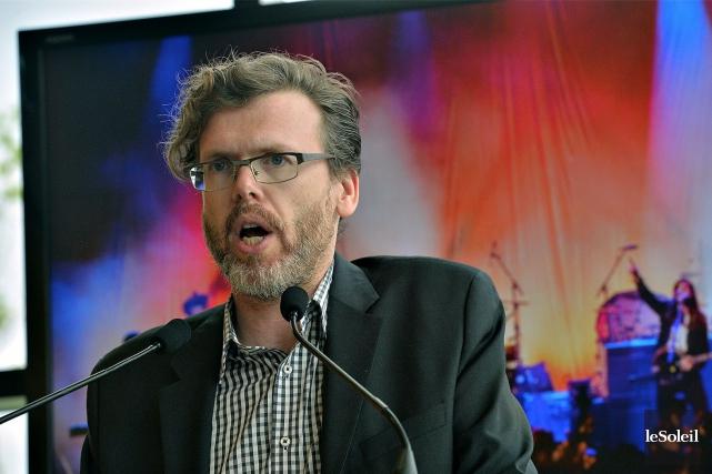 Le représentant de Live Nation Canada, Jason Grant... (Le Soleil, Patrice Laroche)