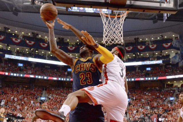 LeBron James a connu une bonne soirée au... (La Presse Canadienne, Frank Gunn)