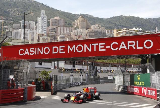 Ricciardo a poussé un cri de joie lorsqu'il... (Associated Press)