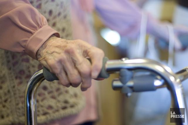 Des locataires de résidences privées pour aînés éprouvent des difficultés à... (Photo Archives La Presse)