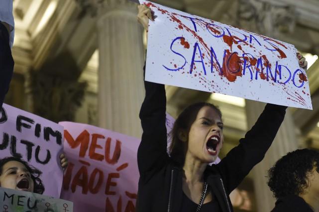 De nombreuses manifestations ont eu lieu vendredi soir... (Agence France-Presse)