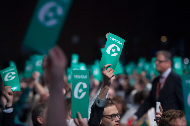 Le vote a suscité un débat de deux... (La Presse Canadienne, Jonathan Hayward)