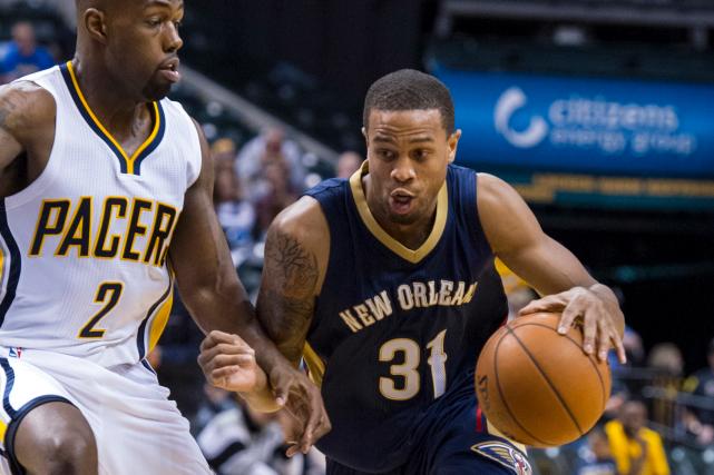 Bryce Dejean-Jones (31) jouait pour les Pelicans de... (Photo AP, Doug McSchooler)