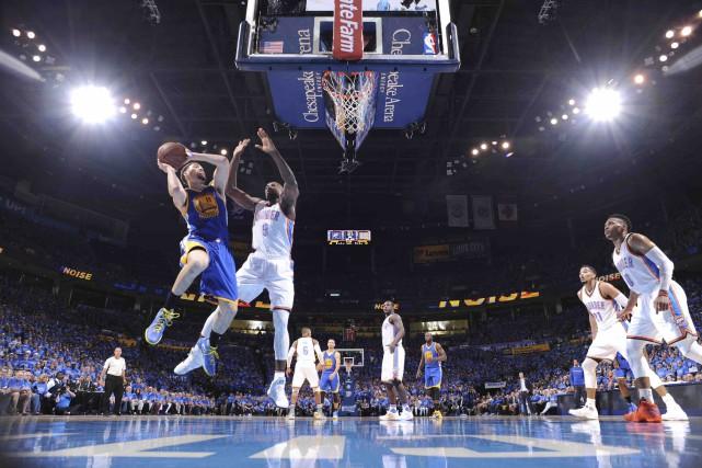 Klay Thompson a permis aux Warriors de demeurer... (AFP, Andrew D. Bernstein)