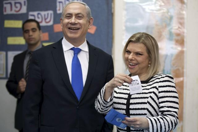 M. et Mme Nétanyahou font depuis longtemps l'objet... (Associated Press)