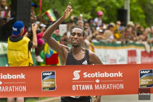 C'est l'Éthiopien Dino Sefir qui a remporté le... (Martin Roy, LeDroit)