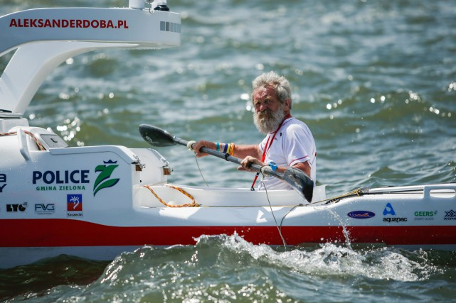 Aleksander Doba a remis à l'eau son kayak «OLO»,... (Photo AFP)