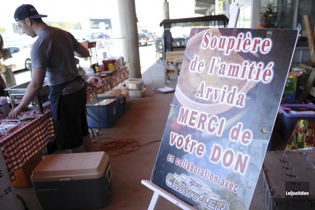 Plusieurs ventes de garage sont organisées par les... (Photo Le Quotidien, Mariane L. St-Gelais)