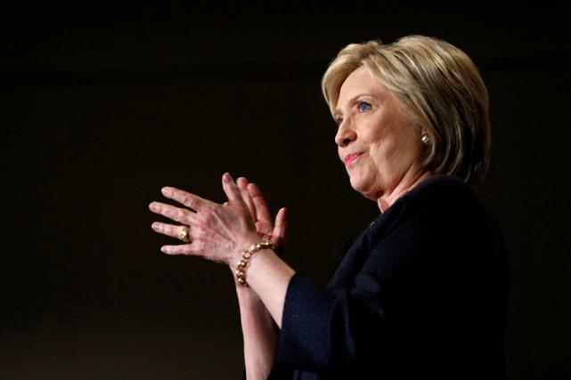 Hillary Clintonfait l'objet d'une enquête criminelle du FBI... (PHOTO REUTERS)