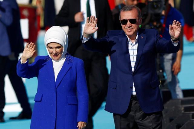 Le président turc Recep Tayyip Erdogan en compagnie... (PHOTO Murad Sezer, REUTERS)