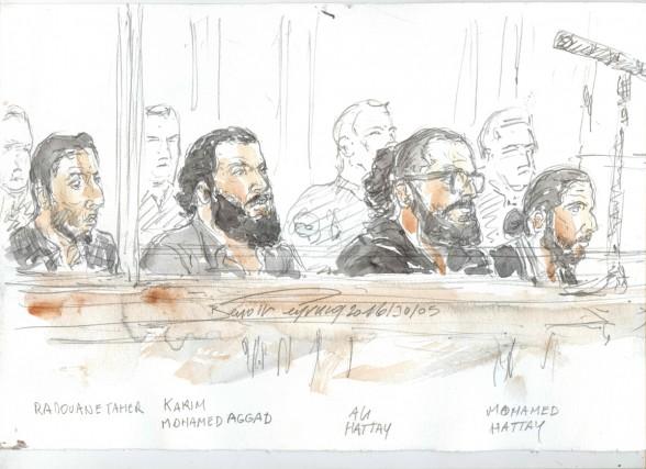Dans un box vitré, quatre prévenus: Radouane Taher,... (ILLUSTRATION BENOIT PEYRUCQ, AFP)