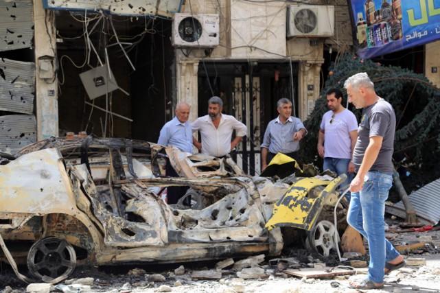 À l'heure actuelle, les bombardements mutuels se poursuivent... (PHOTO AFP)