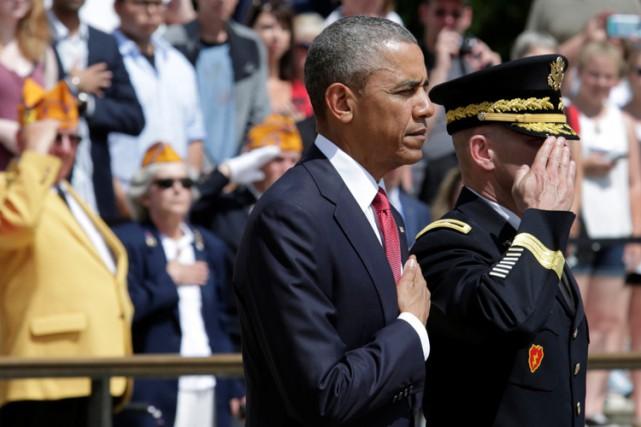 Barack Obamaa participé à une cérémonie au cimetière... (PHOTO REUTERS)